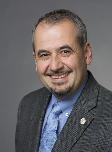 Victor R Vasquez